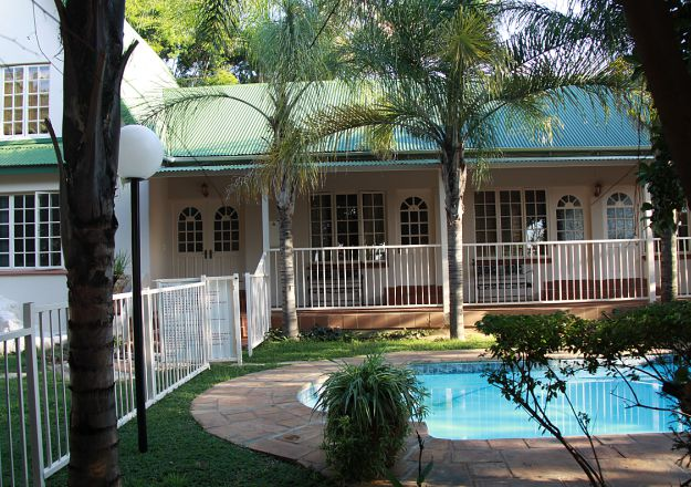 Affordable Holiday Accommodation - Doornpoort - Villa Milou
